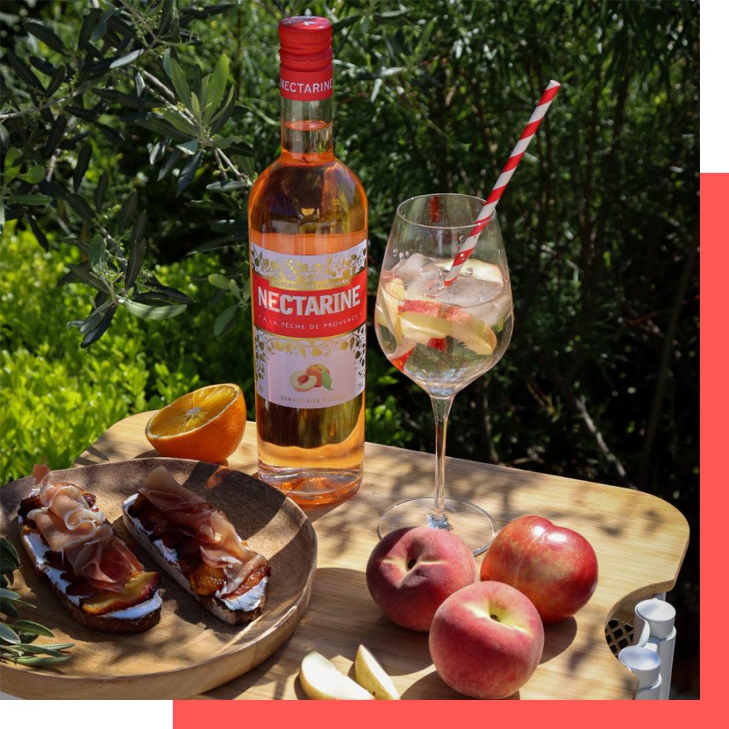 apéritif à base de fruits nectarine -The fruit-based aperitifs are
